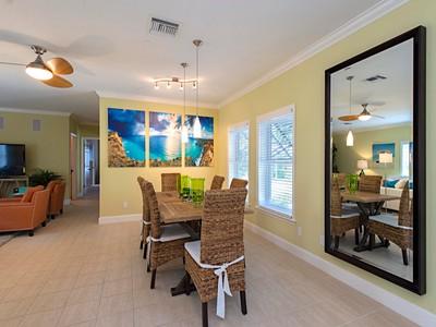Кооперативная квартира for sales at OLD NAPLES 1085  5th St  S Naples, Флорида 34102 Соединенные Штаты