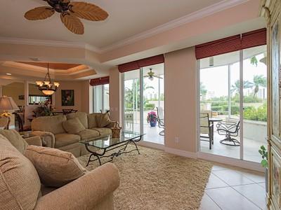 Condominio for sales at THE DUNES - GRANDE DOMINICA 295  Grande Way T-2 Naples, Florida 34110 Stati Uniti