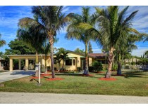 Vivienda unifamiliar for sales at NAPLES PARK 707  106th Ave  N   Naples, Florida 34108 Estados Unidos