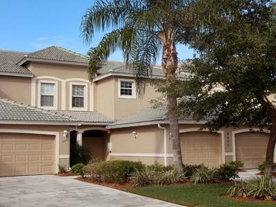 Nhà chung cư for sales at CYPRESS WOODS - LAUREL GREENS 3405  Laurel Greens Ln  S Naples, Florida 34119 Hoa Kỳ