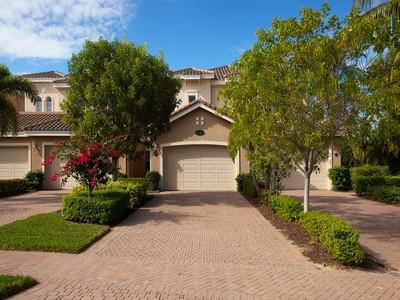 Appartement en copropriété for sales at FIDDLER'S CREEK - MARENGO 3142  Aviamar Cir 204 Naples, Florida 34114 États-Unis