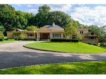 Villa for sales at Post Modern    Lattingtown, New York 11560 Stati Uniti