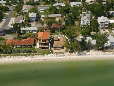 Maison unifamiliale for sales at SHORE ACRES 909  North Shore Dr Anna Maria, Florida 34216 United States