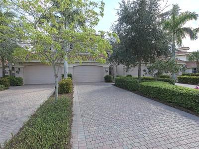 Condominio for sales at FIDDLER'S CREEK - SERENA 3198  Serenity Ct 101 Naples, Florida 34114 Estados Unidos