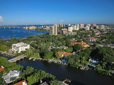 Eigentumswohnung for sales at HUDSON LANDINGS 870  Hudson Ave 870 Sarasota, Florida 34236 Vereinigte Staaten