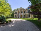 Single Family Home for  sales at Traditional 3370 Paradise Point Rd   Southold, New York 11971 United States