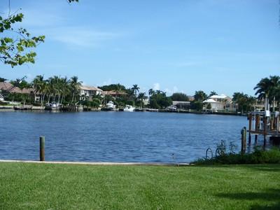 獨棟家庭住宅 for sales at PARK SHORE 320  Neapolitan Way Naples, 佛羅里達州 34103 美國