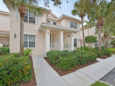 Condominio for sales at FIDDLER'S CREEK - WHISPER TRACE 8315  Whisper Trace Way 203 Naples, Florida 34114 Stati Uniti