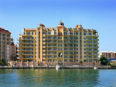 Copropriété for sales at LA BELLASARA 464  Golden Gate Pt 703 Sarasota, Florida 34236 États-Unis