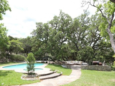 Maison unifamiliale for sales at 24209 Scenic Loop Road, San Antonio 24209 Scenic Loop Rd San Antonio, Texas 78255 États-Unis