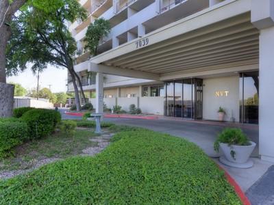 Кооперативная квартира for sales at Gorgeous Condo in Convenient Location 7039 San Pedro 412  San Antonio, Техас 78216 Соединенные Штаты