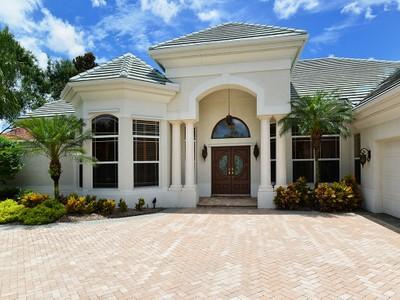 Частный односемейный дом for sales at LAUREL OAK ESTATES 1983  Tom Morris Dr Sarasota, Флорида 34240 Соединенные Штаты