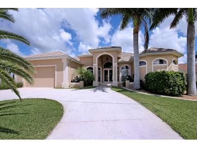 Maison unifamiliale for sales at Cape Coral 1519 SW 53rd Terr  Cape Coral, Florida 33914 États-Unis