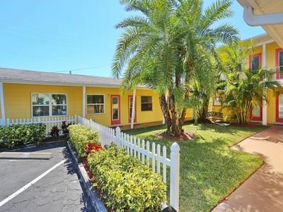 共管式独立产权公寓 for sales at EBBTIDE 6610  Midnight Pass Rd 3  Sarasota, 佛罗里达州 34242 美国