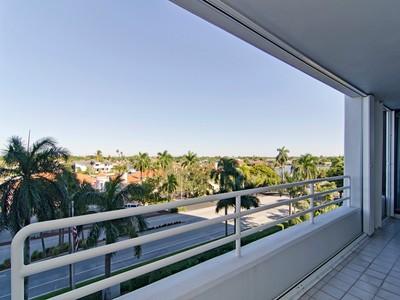 Condo / Townhome / Villa for rentals at 4751 Gulf Shore Blvd N 503  Naples, Florida 34103 United States
