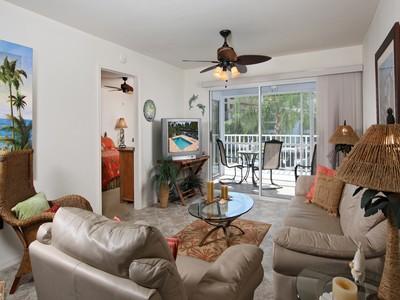 Кооперативная квартира for sales at MARCO ISLAND - PELICAN PERCH 919  Huron St 203 Marco Island, Флорида 34145 Соединенные Штаты