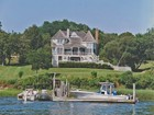 Villa for  rentals at Traditional   Shelter Island, New York 11964 Stati Uniti