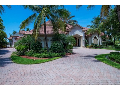 Maison unifamiliale for sales at GREY OAKS - ISLE TOSCANO 1837  Plumbago Ln Naples, Florida 34105 États-Unis