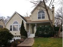 Casa para uma família for sales at Colonial 96A Mountain Ave   Bayville, Nova York 11709 Estados Unidos