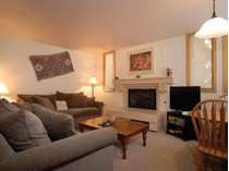 Condomínio for sales at Tamarack Unit 4 135 Carriage Way Unit 4   Snowmass Village, Colorado 81615 Estados Unidos