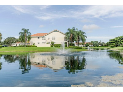 Condominio for sales at CARLTON LAKES - LAKEVIEW 5055  Cedar Springs Dr 202  Naples, Florida 34110 Estados Unidos