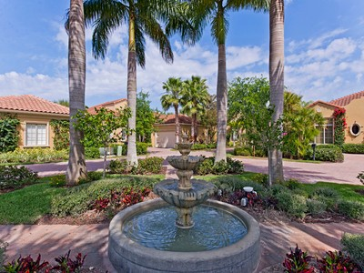 Maison unifamiliale for sales at GREY OAKS - TORINO 2095  Rivoli Ct Naples, Florida 34105 États-Unis