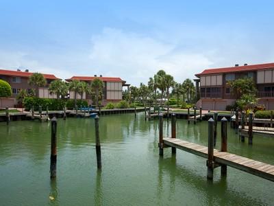 Nhà chung cư for sales at THE MOORINGS - INDIES WEST 2214  Gulf Shore Blvd  N S2 Naples, Florida 34102 Hoa Kỳ