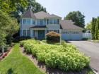 Tek Ailelik Ev for sales at Colonial 8 Chuck Hollow Ct  Huntington, New York 11743 Amerika Birleşik Devletleri