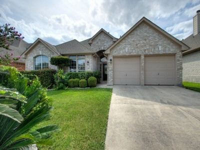 Villa for sales at Gorgeous Home in Oaks at Sonterra 19519 Mill Oak  San Antonio, Texas 78258 Stati Uniti