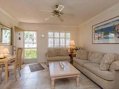 Nhà chung cư for sales at OLD NAPLES - CENTRAL GARDEN 766  Central Ave 107 Naples, Florida 34102 Hoa Kỳ