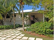 Maison unifamiliale for sales at Charming Golf Course Home at Ocean Reef 285 South Harbor Drive  Ocean Reef Community, Key Largo, Florida 33037 États-Unis
