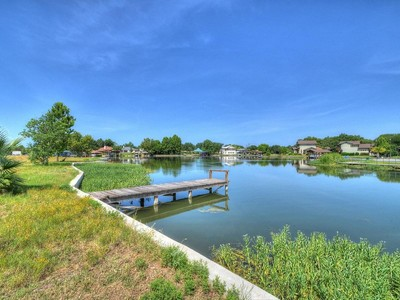 Terreno for sales at Waterfront Lot on Lake LBJ 701 Woodland Hills Dr Granite Shoals, Texas 78654 Stati Uniti