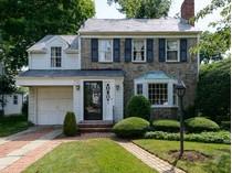 Casa para uma família for sales at Colonial 35 Russell Rd   Garden City, Nova York 11530 Estados Unidos