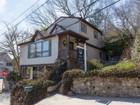獨棟家庭住宅 for sales at 2 Story 2 Valley Ln Huntington, 紐約州 11743 美國
