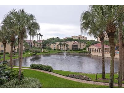 Kat Mülkiyeti for sales at PELICAN BAY - VALENCIA 6545  Valen Way 202  Naples, Florida 34108 Amerika Birleşik Devletleri