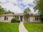 獨棟家庭住宅 for  sales at Luxurious One-Story Living 6815 Willow Oak Dr San Antonio, 德克薩斯州 78249 美國