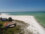 獨棟家庭住宅 for sales at SHORE ACRES 813 N Shore Dr, Anna Maria, 佛羅里達州 34216 美國