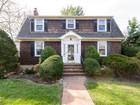 Nhà ở một gia đình for sales at Colonial 18 Chestnut St Garden City, New York 11530 Hoa Kỳ