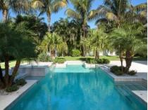 Vivienda unifamiliar for sales at THE MOORINGS 723  Mooring Line Dr  The Moorings, Naples, Florida 34102 Estados Unidos