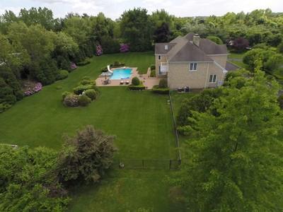Casa para uma família for sales at Colonial 34 Stirrup Dr  Upper Brookville, Nova York 11545 Estados Unidos