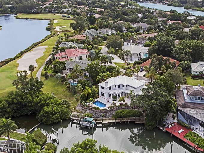 Maison unifamiliale for sales at BAY ISLES 3601  Bayou Cir Longboat Key, Florida 34228 États-Unis