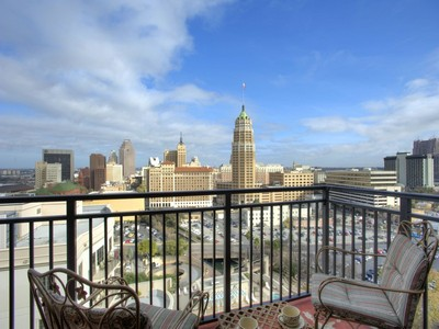 Condominium for sales at Downtown Living and City Views 230 Dwyer Ave 1205 San Antonio, Texas 78204 United States