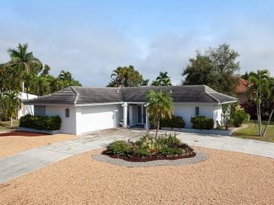단독 가정 주택 for sales at MARCO ISLAND 291 W Flamingo Cir Marco Island, 플로리다 34145 미국