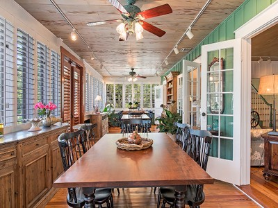 Einfamilienhaus for sales at OLD NAPLES 210  11th Ave  S Naples, Florida 34102 Vereinigte Staaten
