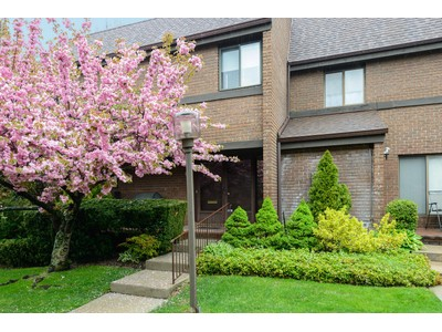 Condominium for sales at Condo 55 Old Field  Roslyn, New York 11576 United States