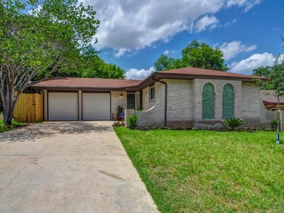 Nhà ở một gia đình for sales at Beautifully Remodeled Gem in Leon Valley 6915 N Forest Crest St San Antonio, Texas 78240 Hoa Kỳ
