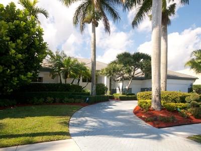 獨棟家庭住宅 for sales at 4936 Bocaire Blvd , Boca Raton, FL 33487 4936  Bocaire Blvd Boca Raton, 佛羅里達州 33487 美國