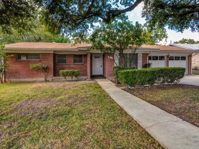 Villa for sales at Charming Home in Harmony Hills 210 Serenade Dr San Antonio, Texas 78216 Stati Uniti