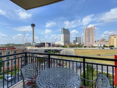 Condominium for sales at Unbelievable Views in the Vidorra 215 N Center 507 San Antonio, Texas 78202 United States