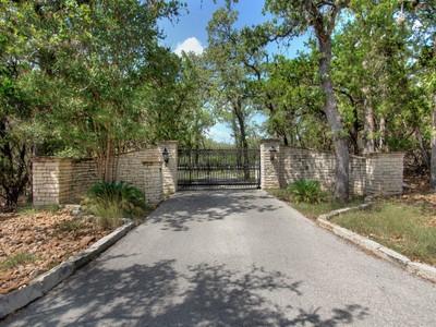 Villa for sales at Stunning 10± Acre Paradise in Shavano Park 3819 De Zavala Rd  Shavano Park, Texas 78231 Stati Uniti